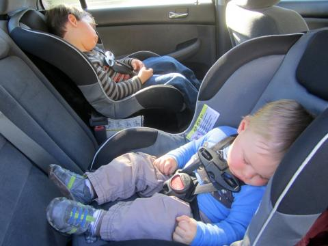 children locked in the car accidentally
